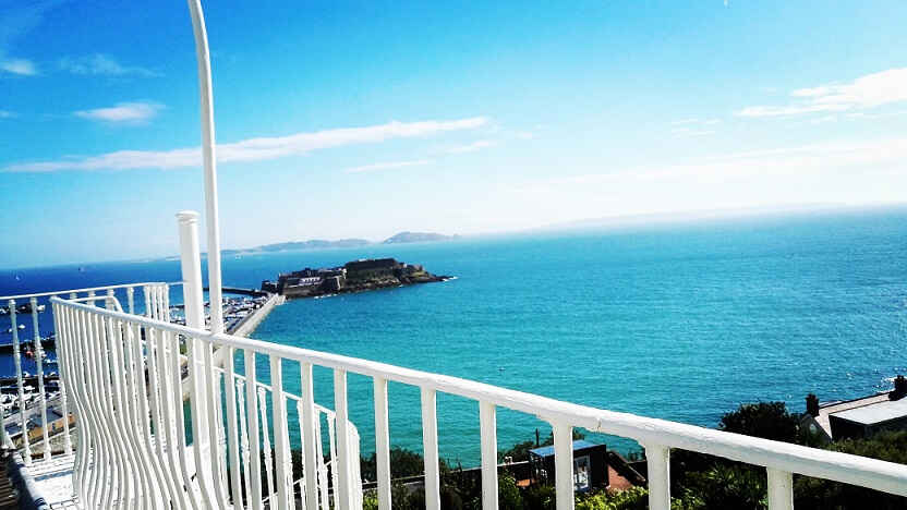 Vue balcon Maison Victor Hugo Guernesey St Peter Port