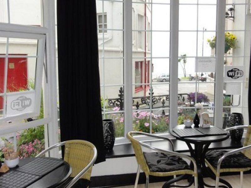 edelweiss guest house ile de man veranda